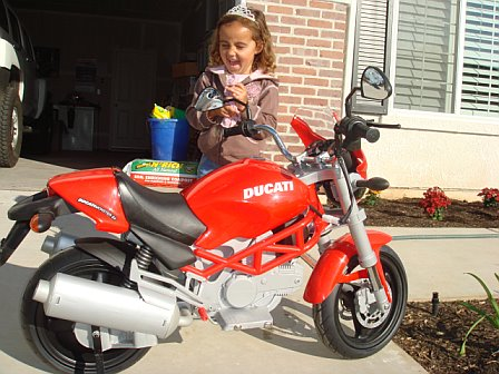http://www.ducati.ms/forums/attachments/ducati-motorcycle-chat/24774d1198698226-kids-12v-ducati-monster-motorcycle-any-problems-i-should-aware-12v2.jpg