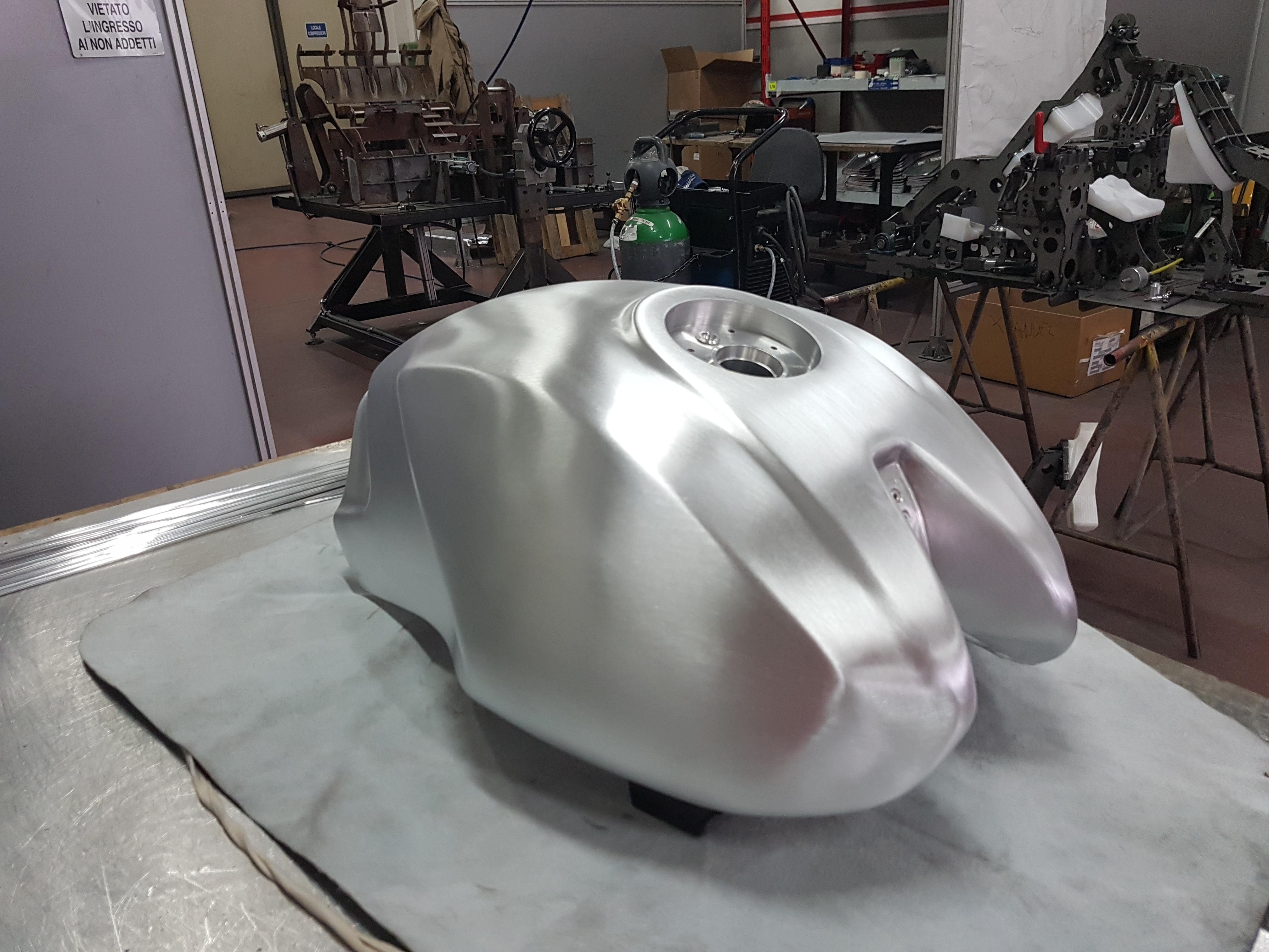 Ducati Monster alluminium tank - Ducati ms - The Ultimate