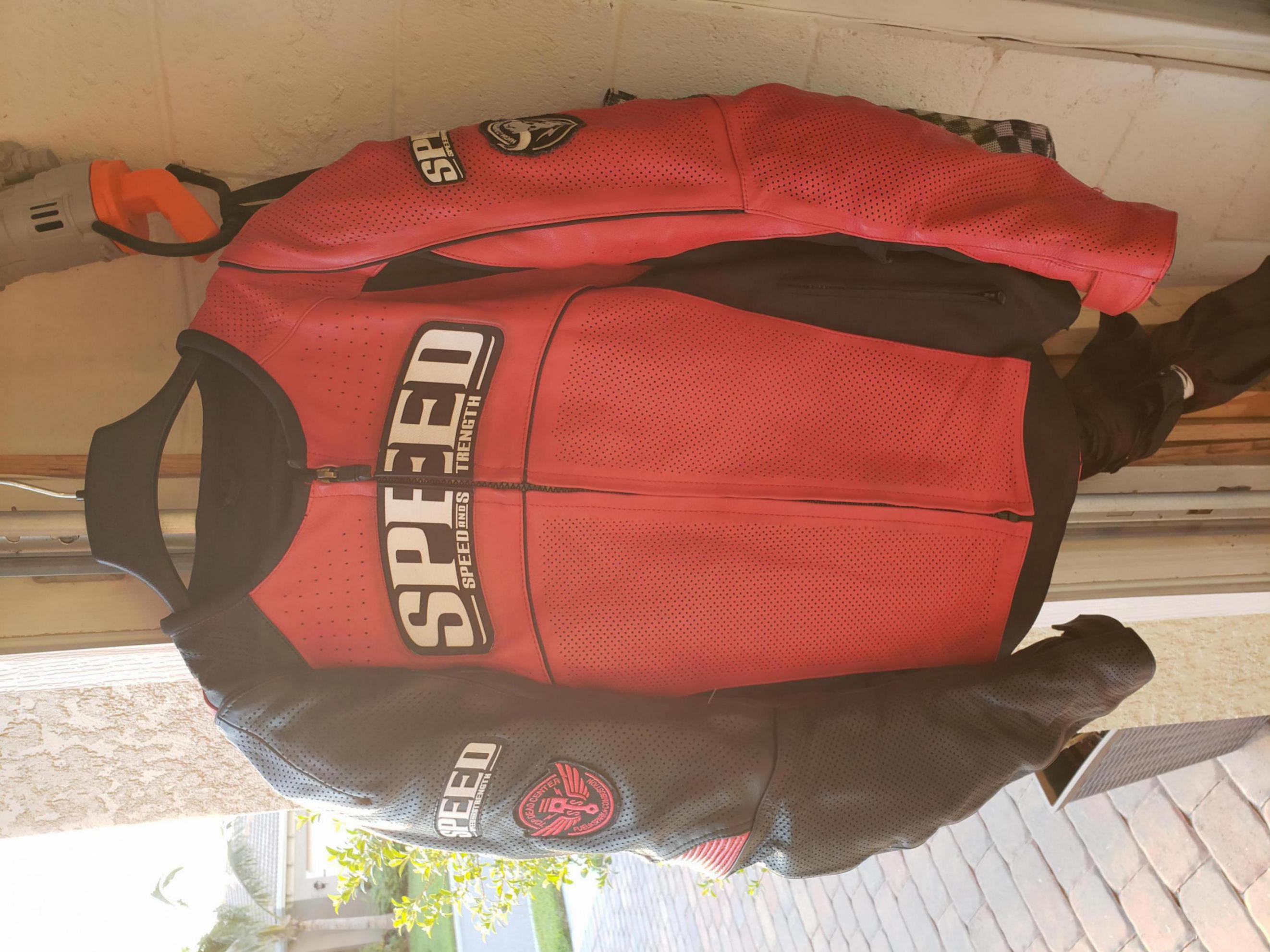 Red leather motorcycle jacket-20180429_192127_1527028376343.jpg