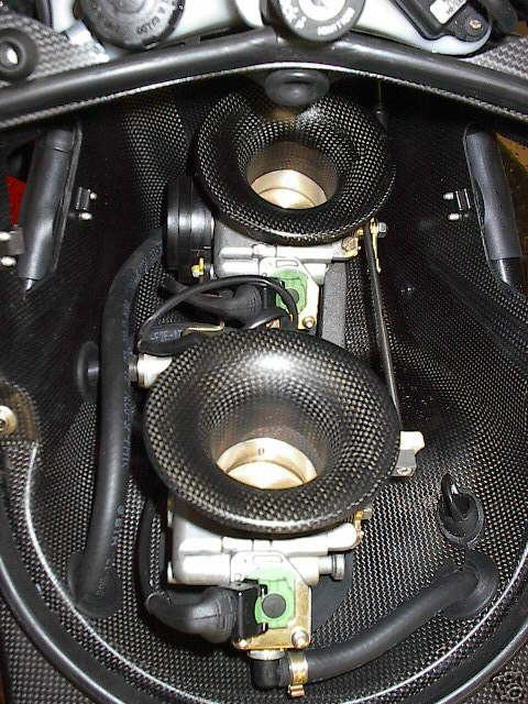 748R chip in shower injected 996-airbox_cf_evr-748-996-3.jpg