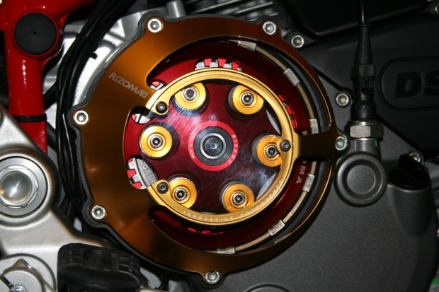 rizoma open clutch cover & pressure plate fitted. - ducati.ms