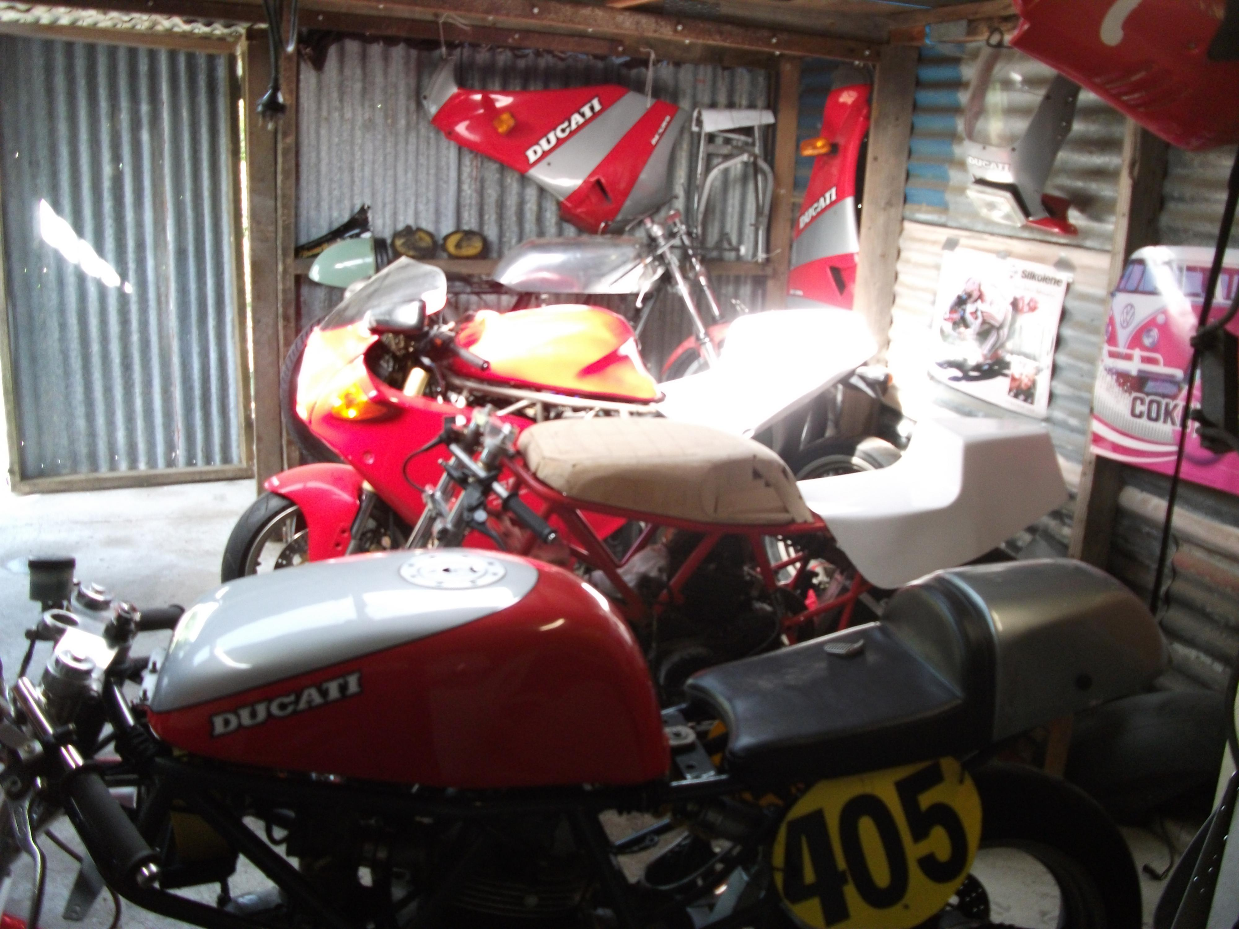 Decosee Ultimate Garage