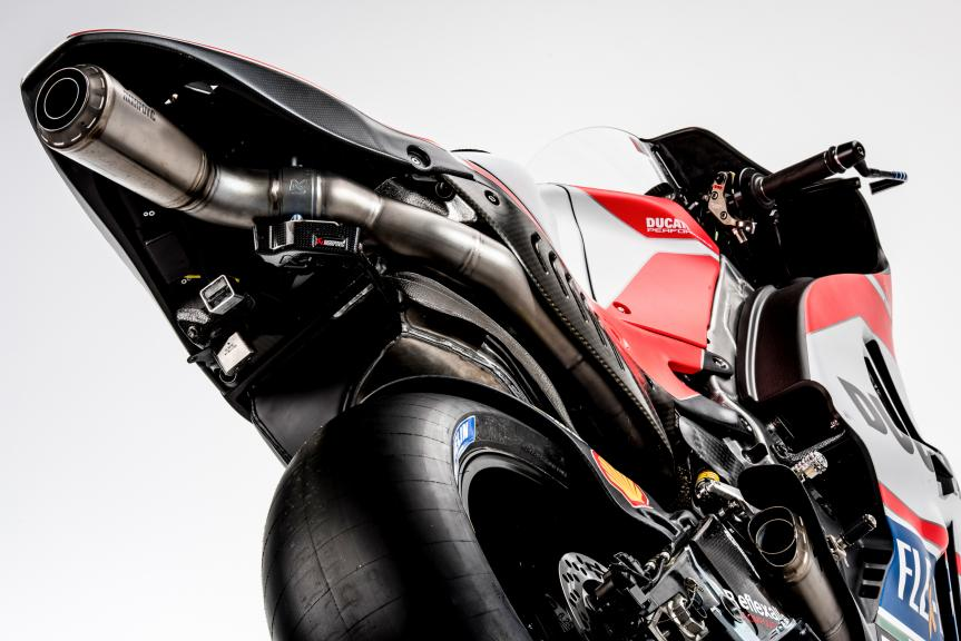 999 exhaust page 2 the ultimate ducati forum. Black Bedroom Furniture Sets. Home Design Ideas