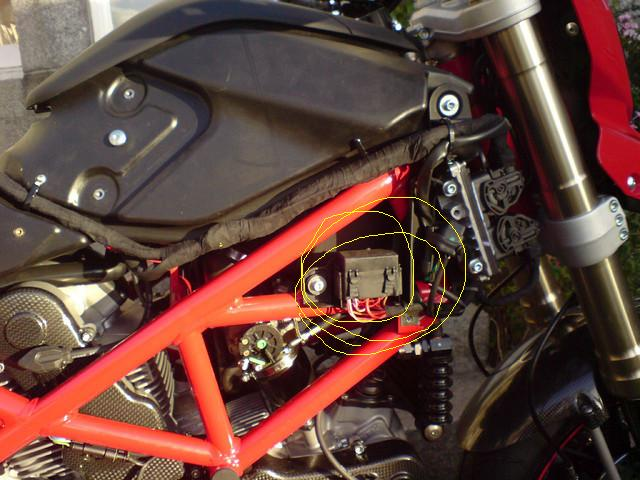 help with head light and tail light issue - ducati.ms ... ducati 916 fuse box ducati 999 fuse box location