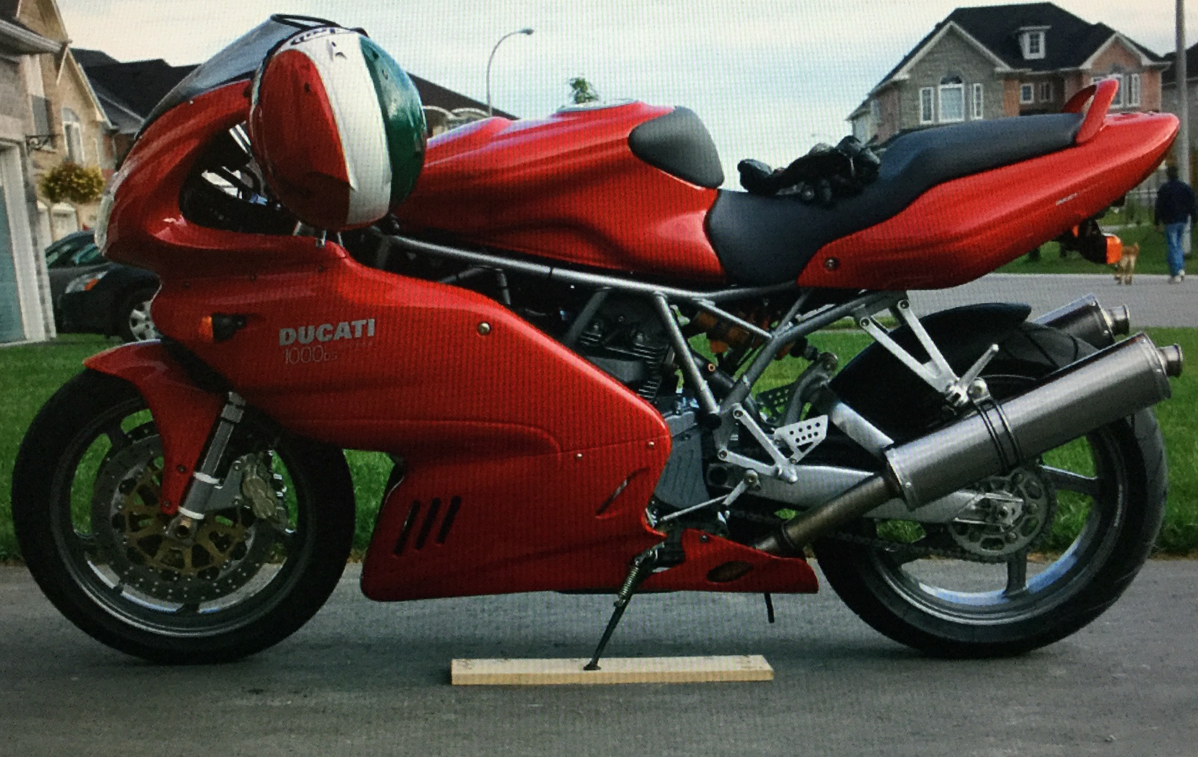 Super sport 1000ds service manual error on fuel lines at tank - Ducati.ms -  The Ultimate Ducati Forum