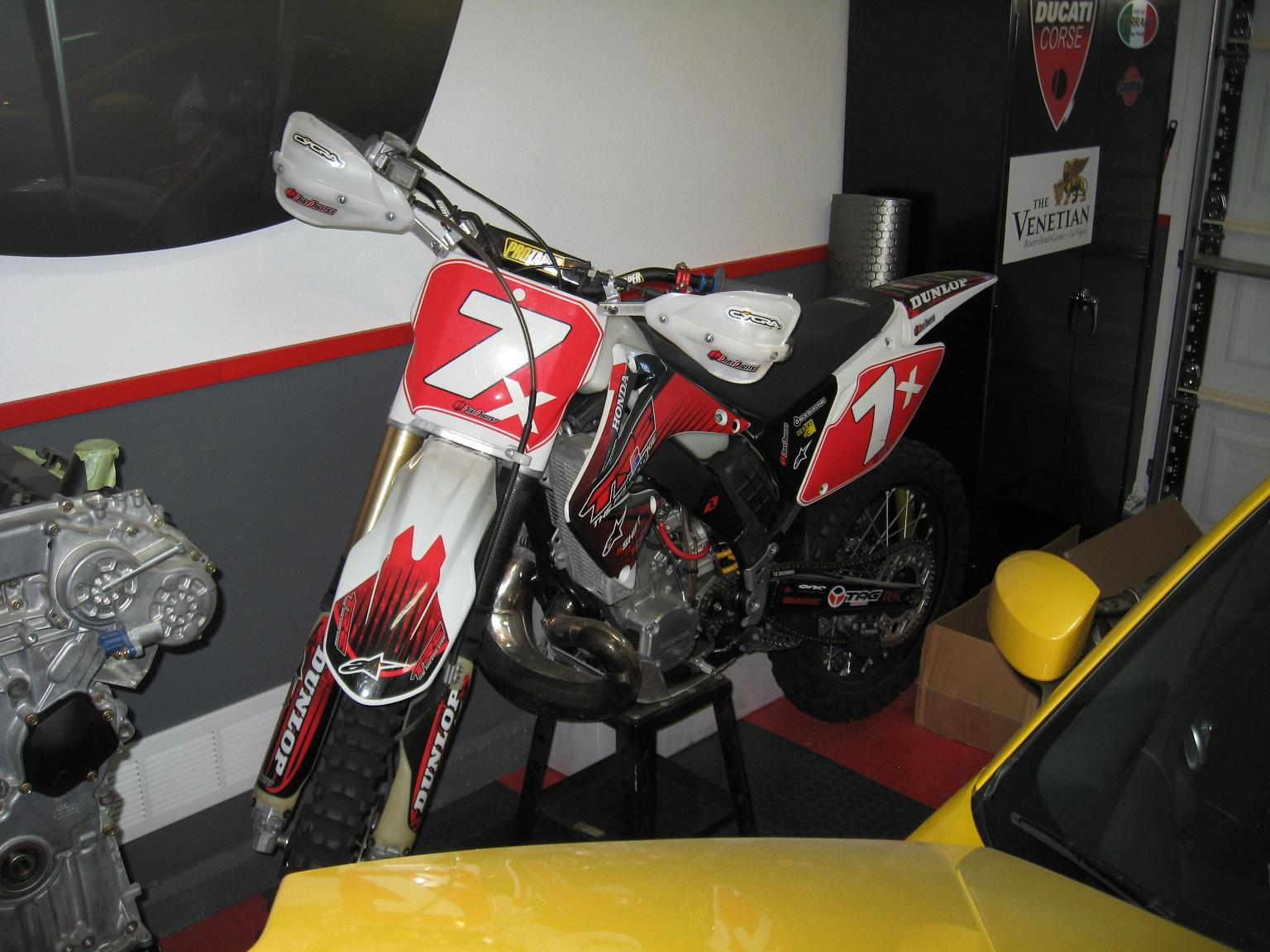 Post a pic of your other bikes in the stable-img_1042.jpg