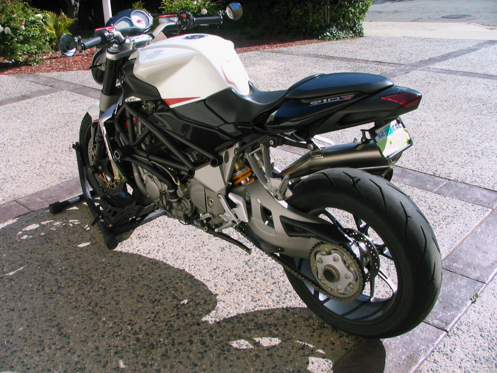 2006 Mv-Agusta Brutale 910R Review - Top Speed
