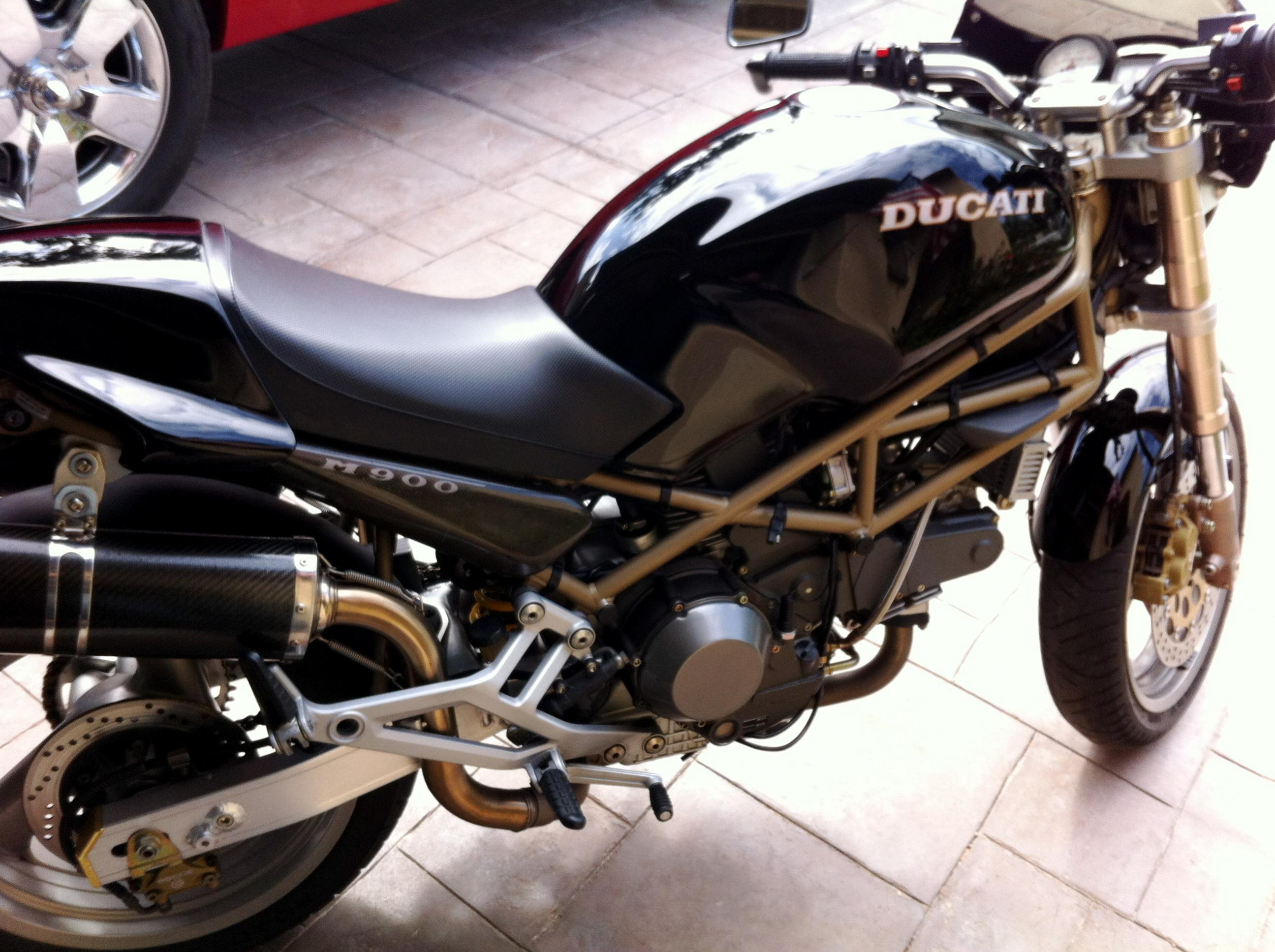 hi i 39 m new here bought a 1998 monster 900 the ultimate ducati forum. Black Bedroom Furniture Sets. Home Design Ideas