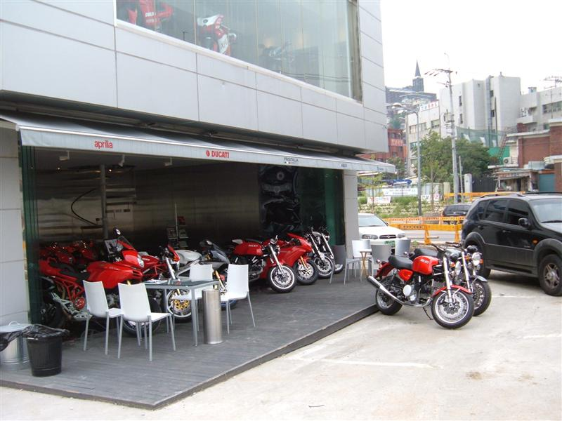 Ducati of Seoul Korea, Update w/pics.-korea-06-032-medium-.jpg