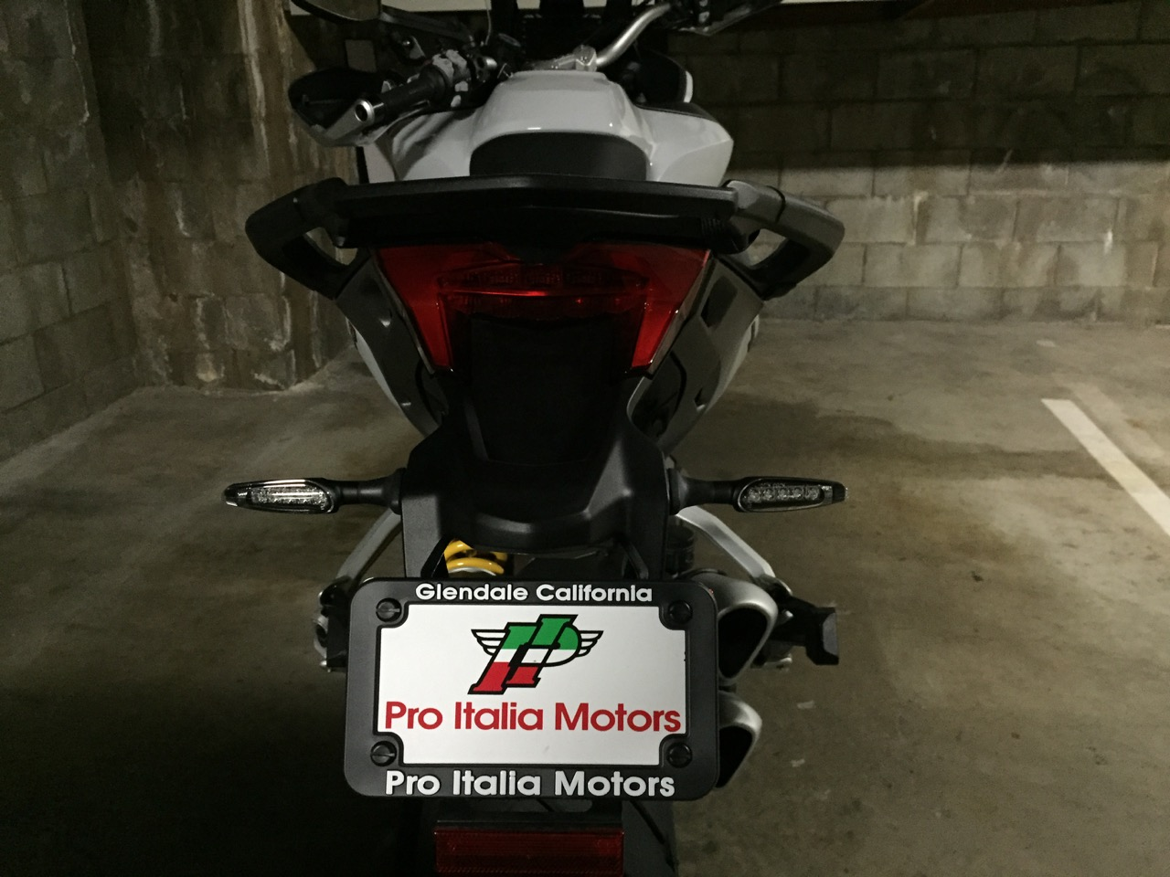 http://www.ducati.ms/forums/attachments/multistrada/569849d1435460995-have-you-installed-led-rear-indicators-2015-dvt-led-lights-7.jpg