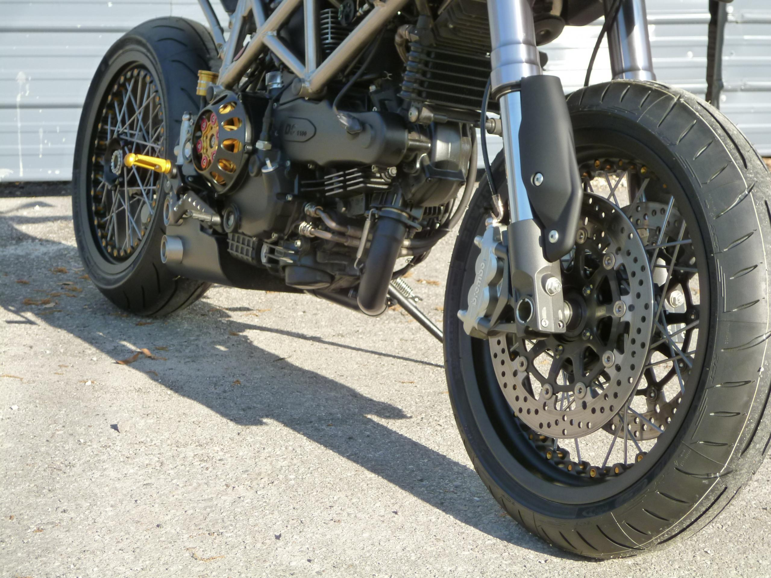 wire wheels on a hyper?? check it out. - ducati.ms - the
