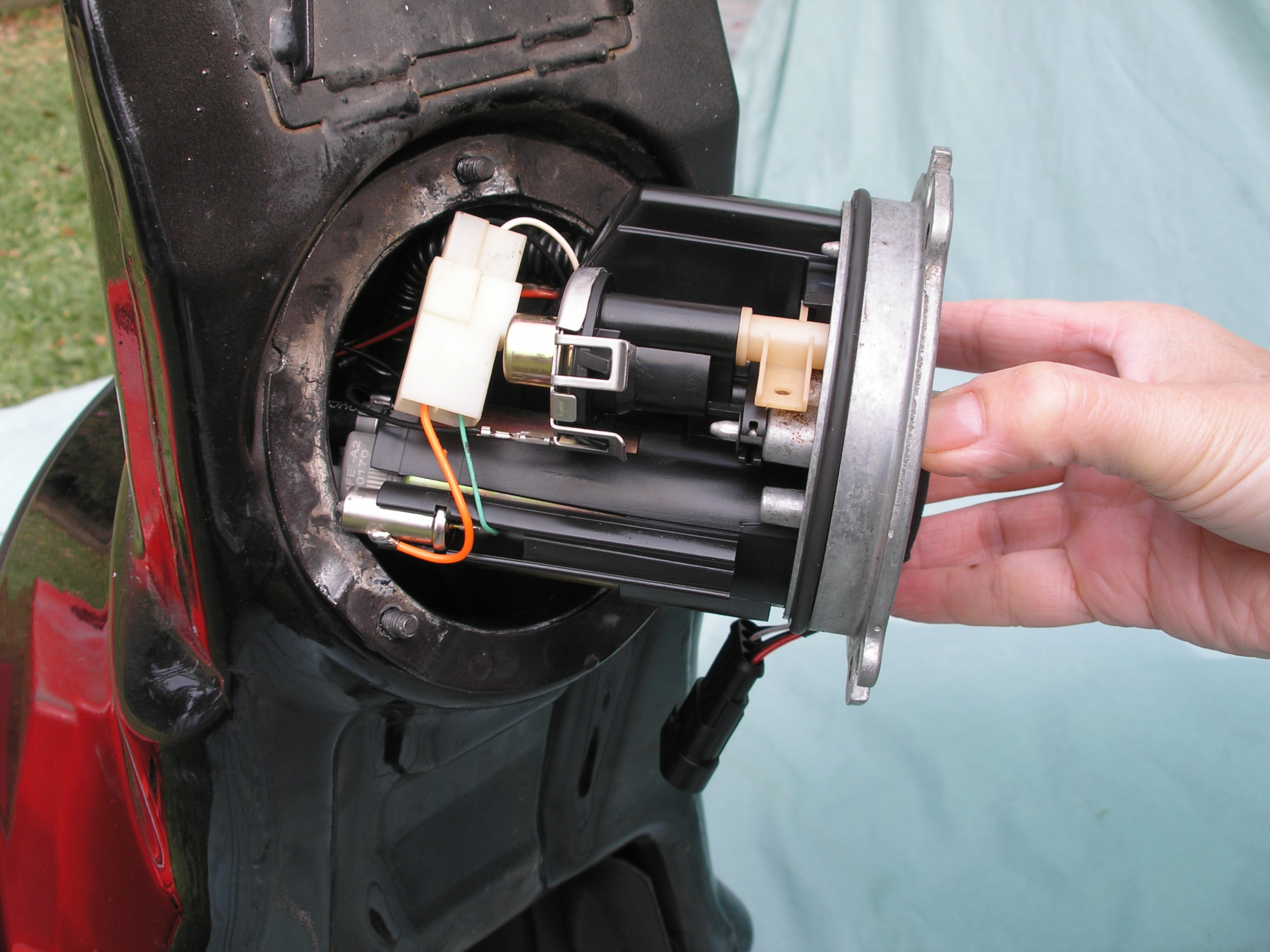 05 999 fuel filter replacement pics ducati ms the ultimate Fuel Filter Location for 2006 Ford Focus click image for larger version name p5170146 jpg views 5612 size 907 2