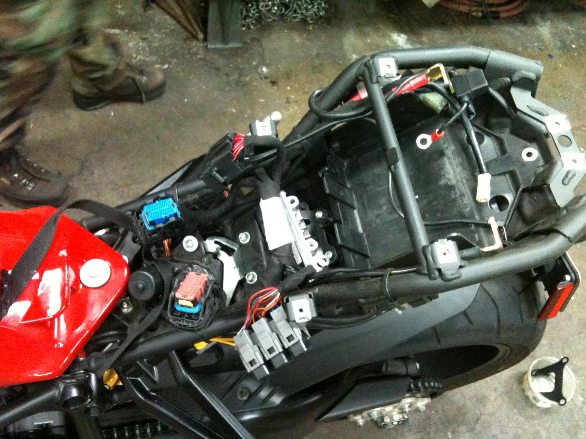 ducati fuse box diagram detailed schematic diagrams rh 4rmotorsports com Ducati 959 Ducati 996