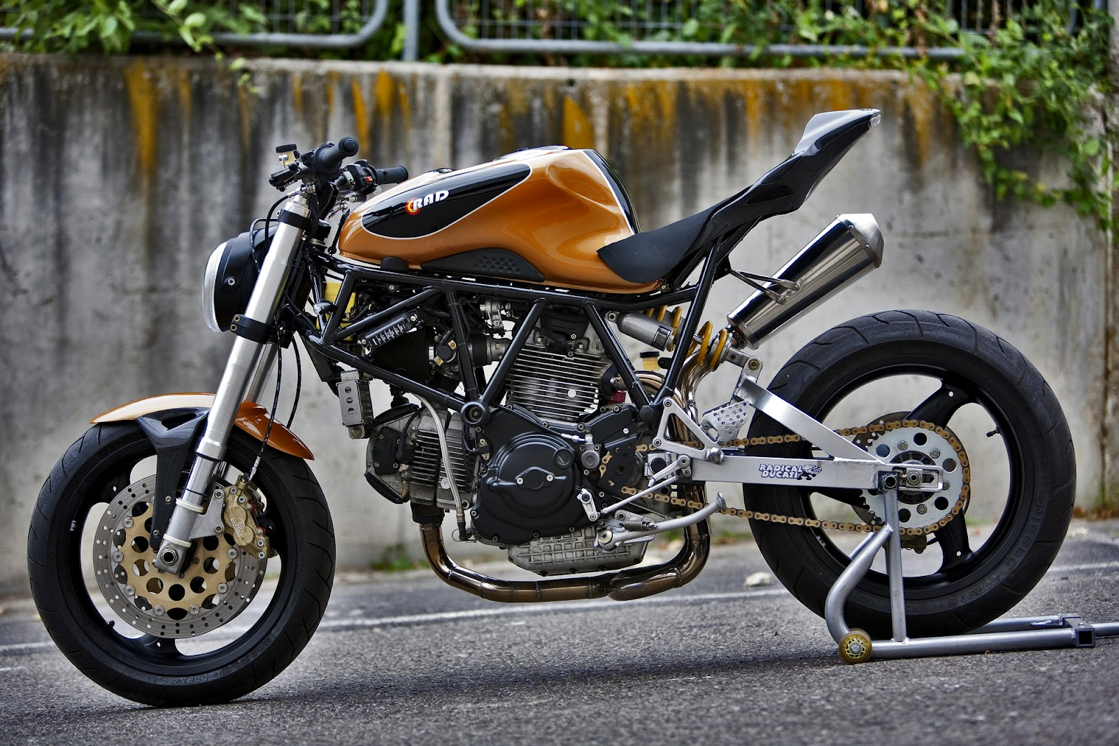 supersport cafe project - which year/model should i choose