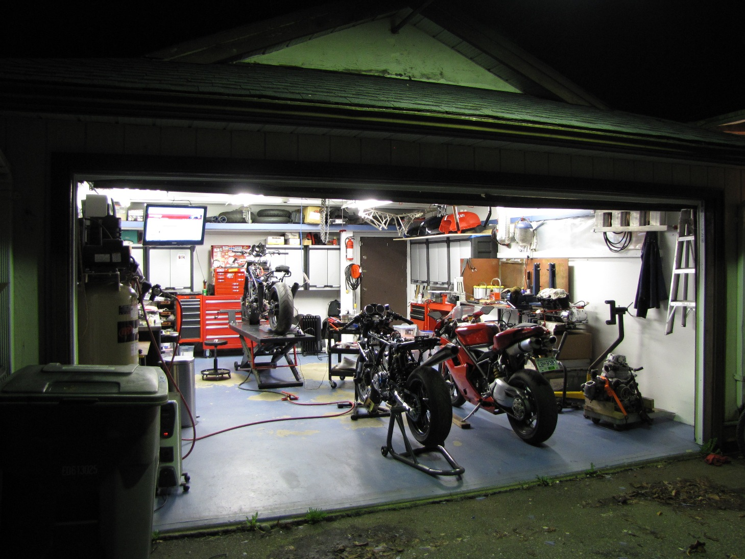 Motorcycle Man Cave Garage : Motorcycle garage ideas layout home mechanic