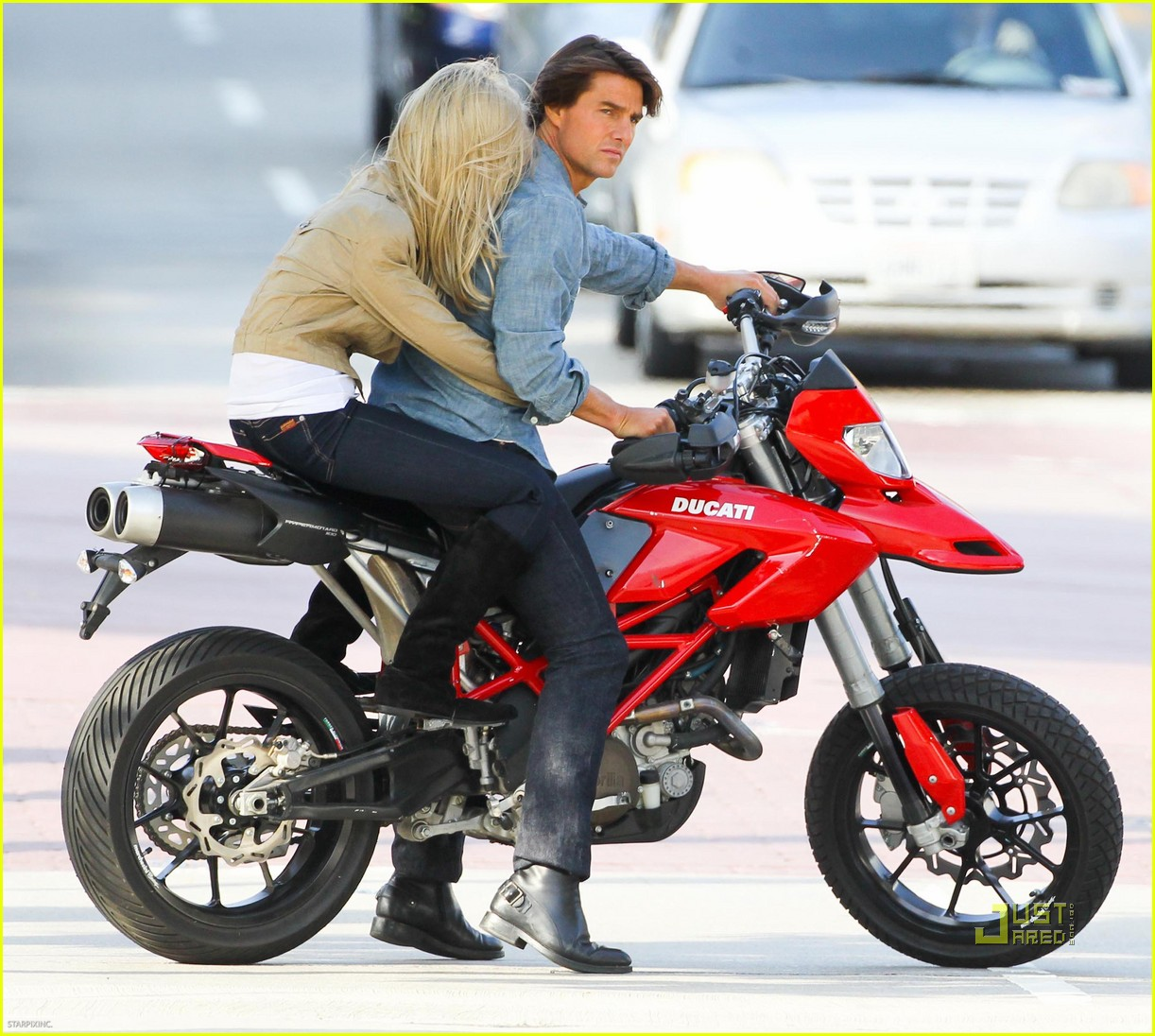 "Hypermotard? in ""Knight and Day"" with Tom Cruise and Cameron Diaz-tom-cruise-shirtless-09.jpg"