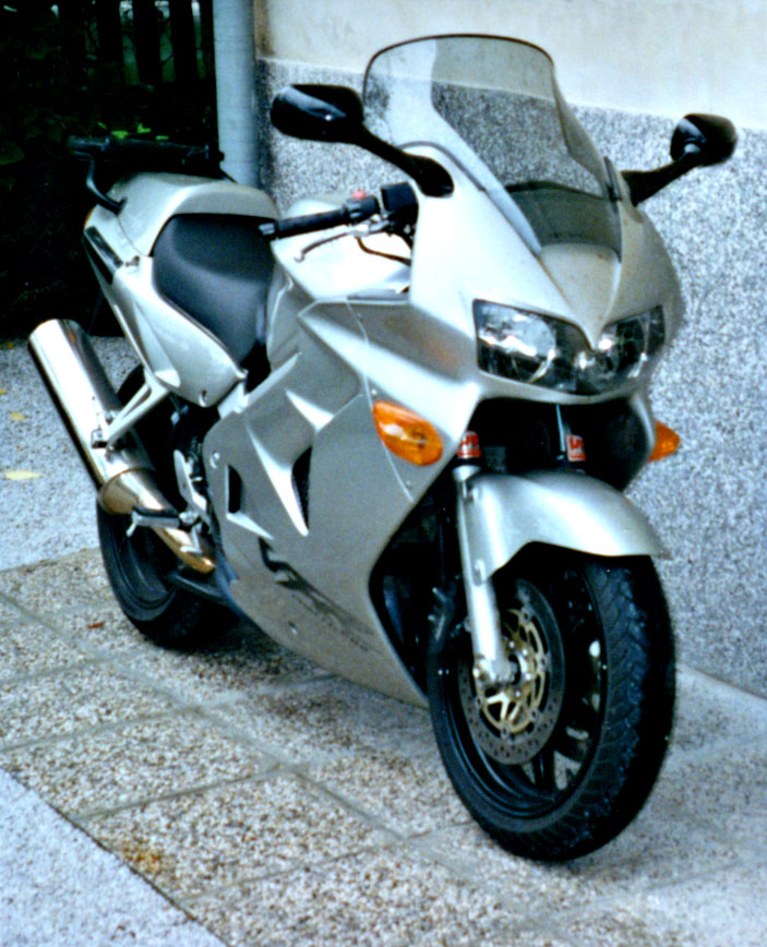 2006 St3s vs 2006 vfr800 - Page 2 - Ducati.ms - The ...