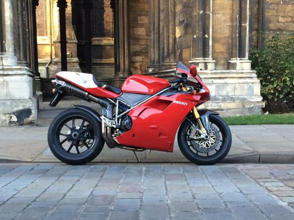 Showcase cover image for Ducati 916
